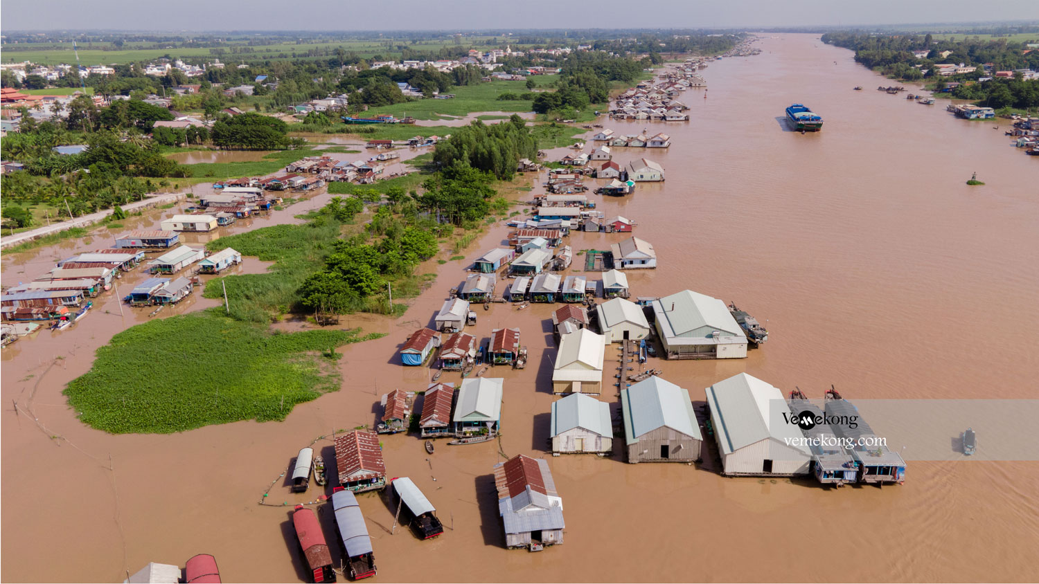 Chau Doc Floating Village, Fish Farm & Cham Minority Village
