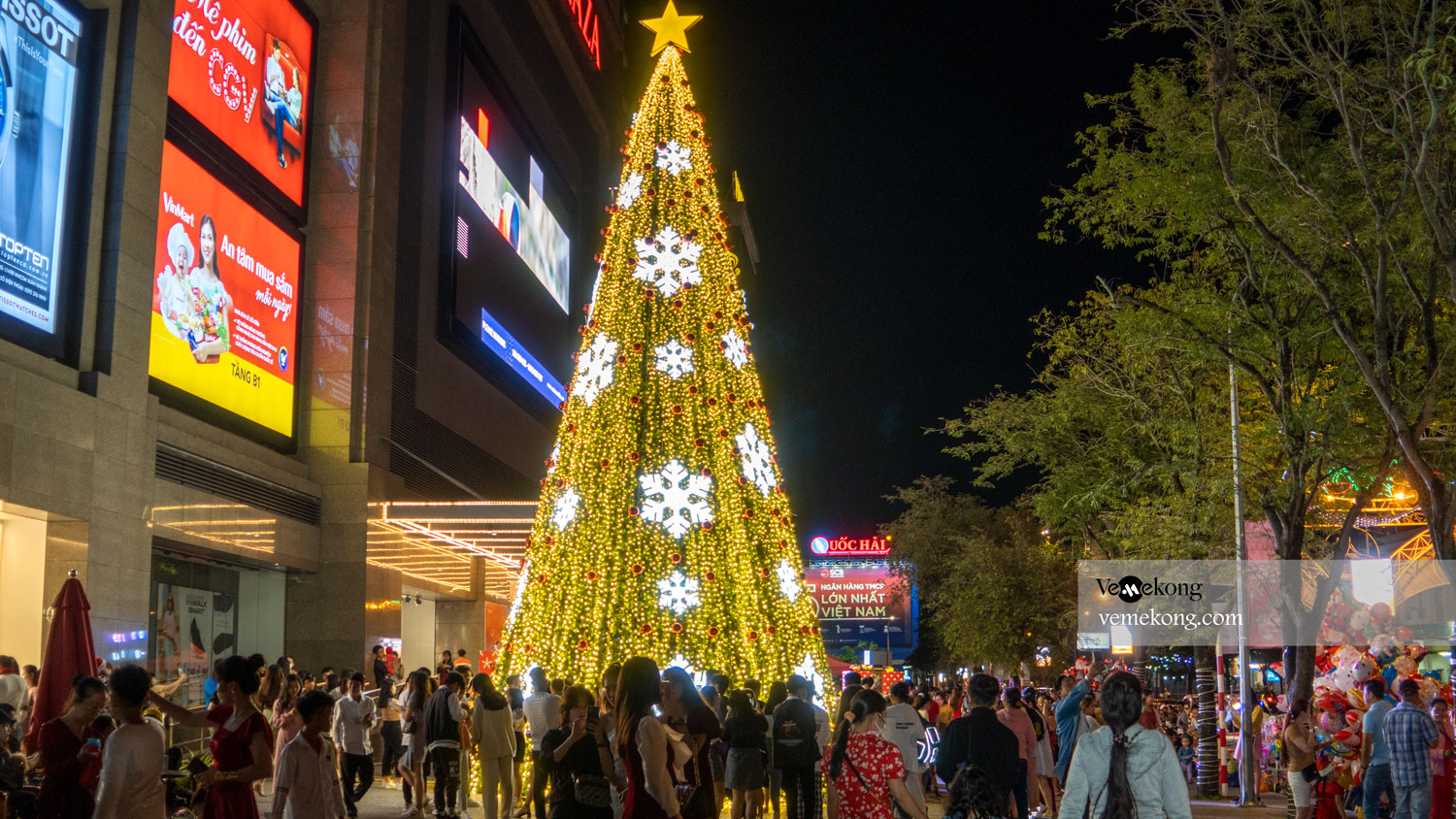 Christmas and New Year Holiday in Can Tho City